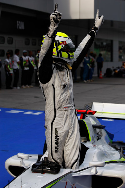 Sepang, Kuala Lumpur, Malaysia 4th April 2009 Pole sitter Jenson Button, Brawn GP BGP001 Mercedes. Portrait. Helmets.  World Copyright: Andrew Ferraro/LAT Photographic ref: Digital Image _H0Y9641