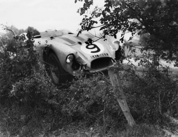 Le Mans, France. 12th - 13th June 1954 Jean-Louis Rosier/Pierre Meyrat (Talbot T26GS), retired, action. World Copyright: LAT Photographic Ref: B/WPRINT.
