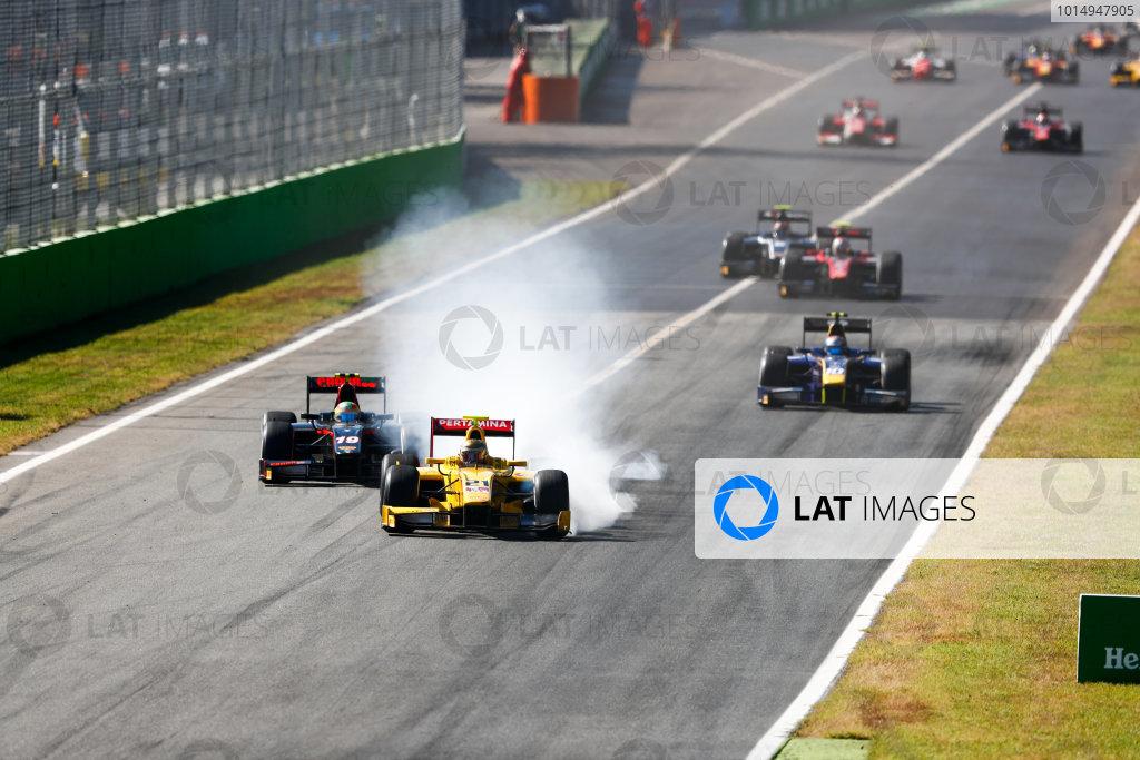 Autodromo Nazionale di Monza, Italy. Sunday 3 September 2017 Sean Gelael (INA, Pertamina Arden). leadsRoberto Merhi (ESP, Rapax).  Photo: Bloxham/FIA Formula 2 ref: Digital Image _W6I4782