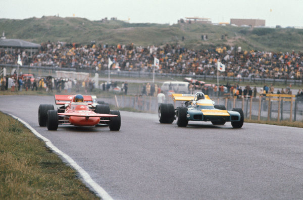 1971 Dutch Grand Prix.  Zandvoort, Holland. 18-20th June 1971.  Ronnie Peterson, March 711 Ford, and Graham Hill, Brabham BT34 Ford.  Ref: 71HOL19. World Copyright: LAT Photographic