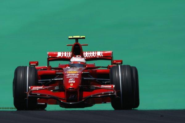 2007 Brazilian Grand Prix - Saturday QualifyingInterlagos, Sao Paulo, Brazil20th October 2007.Kimi Raikkonen, Ferrari F2007. Action. World Copyright: Glenn Dunbar/LAT Photographicref: Digital Image _O9T8268