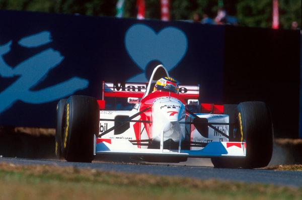 Suzuka, Japan.27-29 October 1995.Mark Blundell (McLaren MP4/10B Mercedes) 7th position.Ref-95 JAP 01.World Copyright - LAT Photographic