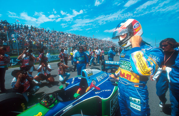 Montreal, Canada.10-12 June 1994.Michael Schumacher (Benetton B194 Ford) 1st position.Ref-94 CAN 07.World Copyright - LAT Photographic