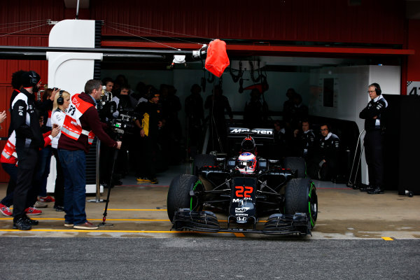 Circuit de Catalunya, Barcelona, Spain Monday 22 February 2016. Jenson Button, McLaren MP4-31 Honda, leaves the garage. World Copyright: Steven Tee/LAT Photographic ref: Digital Image _L4R7076