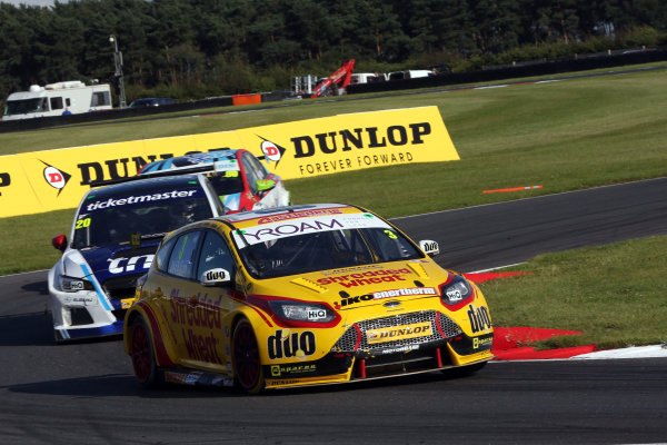2017 British Touring Car Champinship, Snetterton. 29th-30th July 2017, Mat Jackson (GBR) Team Shredded Wheat Racing with Duo Ford Focus World copyright. JEP/LAT Photographic
