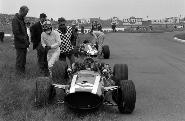 Pedro Rodriguez, Cooper T81 Maserati, and Dan Gurney, Eagle T1G Weslake, retire from the race.