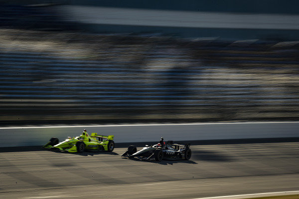 Simon Pagenaud, Team Penske Chevrolet, James Hinchcliffe, Arrow Schmidt Peterson Motorsports Honda
