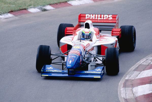 1996 Argentinian Grand Prix.Buenos Aires, Argentina. 5-7 April 1996.Ricardo Rosset (Footwork FA17 Hart).Ref-96 ARG 30.World Copyright - LAT Photographic