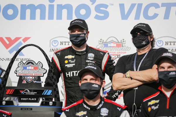 #1: Josef Newgarden, Team Penske Chevrolet, victory lane