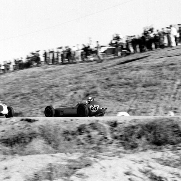 1960 United States Grand Prix.Riverside, California, USA.18-20 November 1960.Chuck Daigh (Scarab).Ref-7487.World Copyright - LAT Photographic