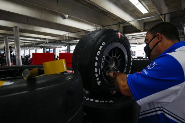 #10: Alex Palou, Chip Ganassi Racing Honda, Crew