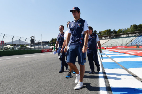 Lance Stroll (CDN) Williams walks the track