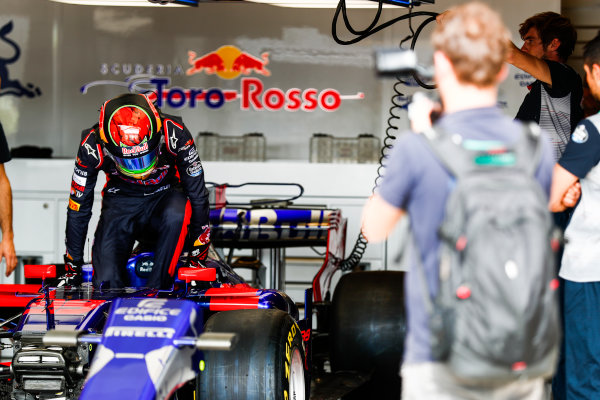 Circuit of the Americas, Austin, Texas, United States of America. Thursday 19 October 2017. Bredon Hartley, Toro Rosso STR12 Renault. World Copyright: Sam Bloxham/LAT Images  ref: Digital Image _J6I6050