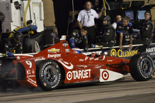Scott Dixon (NZL) Target Ganassi Racing, makes a pit stop.