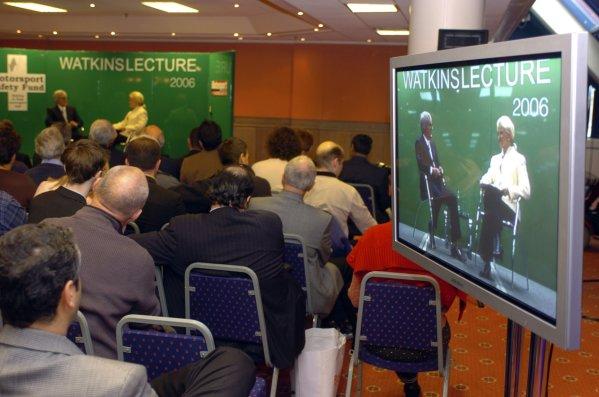 2006 Autosport InternationalBirmingham NEC, Friday 13th January 2006.2006 Motorsport Safety Fund Watkins Lecture. Bernie Ecclestone on stage.World Copyright: Jeff Bloxham/LAT Photographicref: Digital Image Only