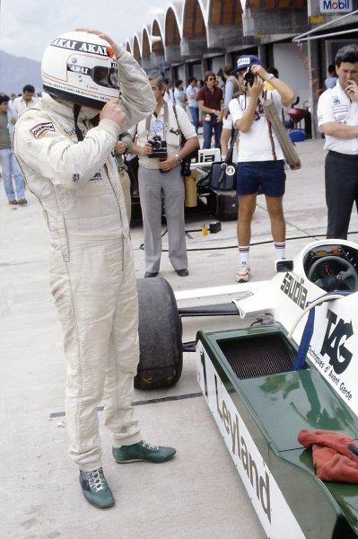 1981 Brazilian Grand Prix.Jacarepagua, Rio de Janeiro, Brazil. 27-29 March 1981.Alan Jones (Williams FW07C-Ford Cosworth), 2nd position, in the pits.World Copyright: LAT PhotographicRef: 35mm transparency 81BRA19