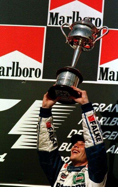 1997 Argentinian Grand Prix.Buenos Aires, Argentina.11-13 April 1997.Jacques Villeneuve (Williams Renault) 1st position.World Copyright - LAT Photographic