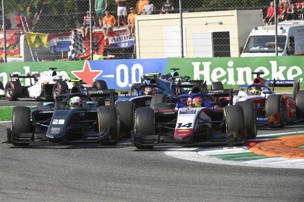 Alessio Deledda (ITA, HWA Racelab) Enzo Fittipaldi (BRA, Charouz Racing System)
