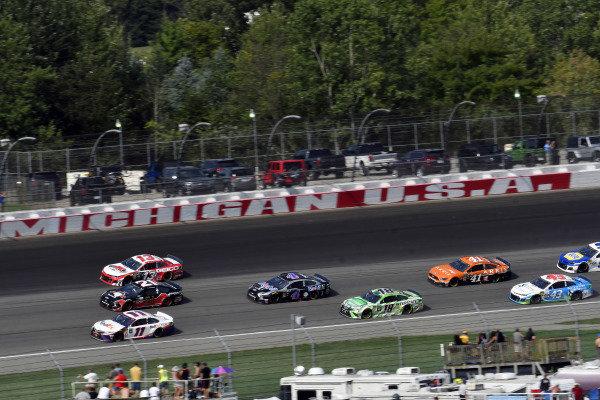 #11: Denny Hamlin, Joe Gibbs Racing, Toyota Camry FedEx Office and #21: Paul Menard, Wood Brothers Racing, Ford Mustang Master Techs/Quick Lane Tire & Auto Center