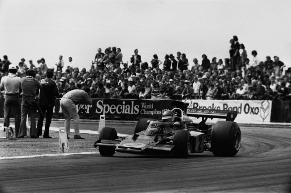 Silverstone, England. 12-14 July 1973.Ronnie Peterson (Lotus 72EFord), 2nd position, action.World Copyright: LAT PhotographicRef: L73-1178/5A