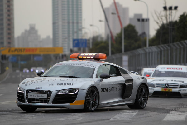 The race started behind the safety car.DTM, Rd11, Shanghai, China, 26-28 November 2010.World Copyright: LAT Photographicref: dne1028no04