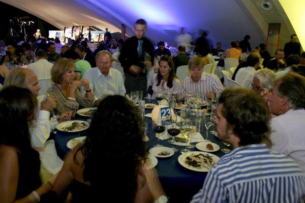 2007 GP2 Series. Round 11.GP2 Series Prize Giving Ceremony.Valencia, Spain. 30th September.Guests enjoy dinner. World Copyright: Drew Gibson/GP2 Series Media Service.RefMU4Z2856