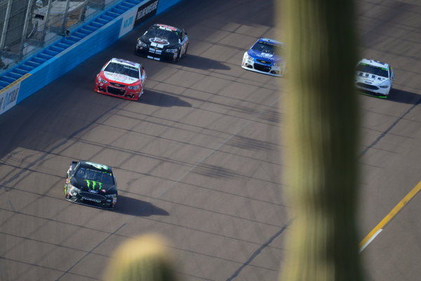 Monster Energy NASCAR Cup Series Can-Am 500 Phoenix Raceway, Avondale, AZ USA Sunday 12 November 2017 Kurt Busch, Stewart-Haas Racing, Monster Energy/Haas Automation Ford Fusion, Ty Dillon, Germain Racing, GEICO Military Chevrolet SS World Copyright: Logan Whitton LAT Images