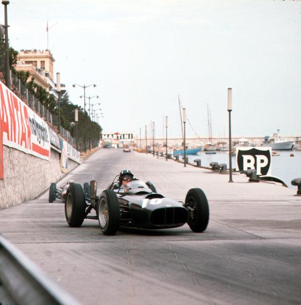 Monte Carlo, Monaco.31/5-3/6 1962.Graham Hill (BRM P57) 6th position.Ref-3/0518.World Copyright - LAT Photographic