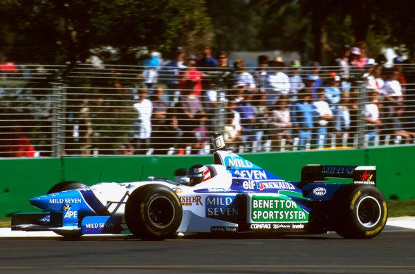 Albert Park, Melbourne, Australia.8-10 March 1996.Gerhard Berger (Benetton B196 Renault) 4th position.Ref-96 AUS 25.World Copyright - LAT Photographic