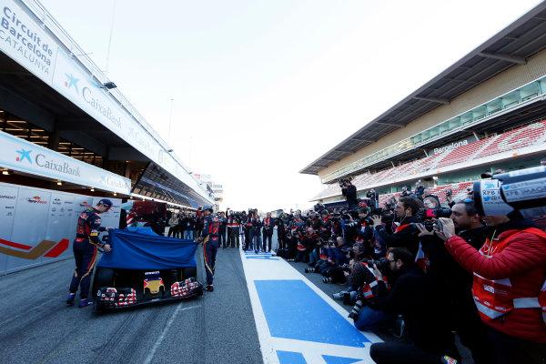 Circuit de Catalunya, Barcelona, Spain Tuesday 1 March 2016. Carlos Sainz Jr, Toro Rosso. Max Verstappen, Toro Rosso. unveiling the STR-11 to the press World Copyright: Zak Mauger/LAT Photographic ref: Digital Image _L0U1920