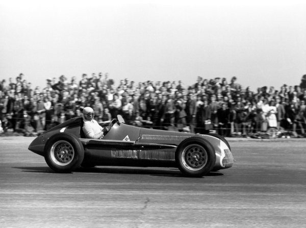 1950 British Grand Prix.Silverstone, Great Britain. 13th May 1950.Juan Manuel Fangio (Alfa Romeo 158).World Copyright: LAT Photographicref: 3734A/08