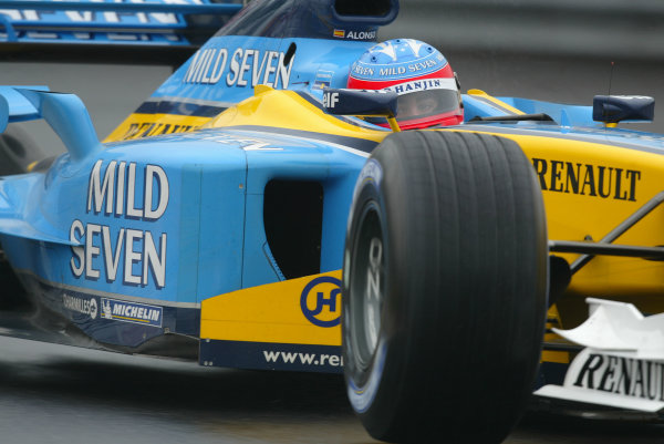 2003 Canadian Grand Prix - Saturday 2nd Qualifying, Montreal, Canada.14th June 2003.Fernando Alonso, Renault R23, action.World Copyright LAT Photographic.Digital Image Only.