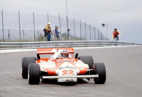 1981 French Grand Prix.Dijon-Prenois, France.3-5 July 1981.Mario Andretti (Alfa Romeo 179C) 8th position.Ref-81 FRA 29.World Copyright - LAT Photographic