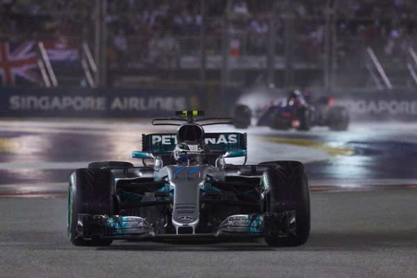 Marina Bay Circuit, Marina Bay, Singapore. Sunday 17 September 2017. Valtteri Bottas, Mercedes F1 W08 EQ Power+.  World Copyright: Steve Etherington/LAT Images  ref: Digital Image SNE19087
