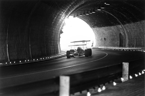 Monte Carlo, Monaco. 18 May 1969.John Surtees, BRM P138, retired, action, in the tunnel.World Copyright: LAT PhotographicRef: 2472 #24A