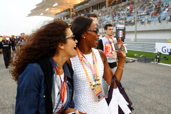 Bahrain International Circuit, Sakhir, Bahrain.  Sunday 16 April 2017. Naomi Campbell on the grid. World Copyright: Sam Bloxham/LAT Images ref: Digital Image _W6I2623