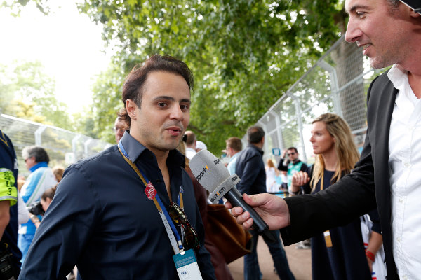 2014/2015 FIA Formula E Championship. London e-Prix, Battersea Park, London, UK. Sunday 28 June 2015. Felipe Massa, Williams F1 driver, talks to the press on the grid.  World Copyright: Adam Warner/LAT Photographic/Formula E. ref: Digital Image _L5R1959