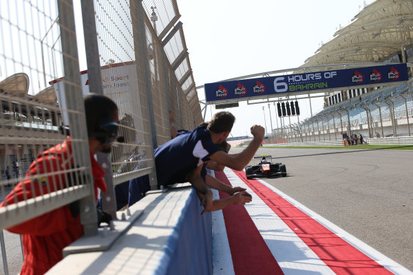 2015 GP3 Series Round 8. Bahrain International Circuit, Bahrain Saturday 21 November 2015. Luca Ghiotto (ITA, Trident), celebrates his win Photo: Jakob Ebrey/GP3 Series Media Service. ref: Digital Image AD8T9822