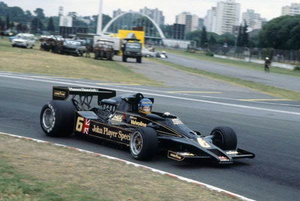 Buenos Aires, Argentina. 13th - 15th January 1978. Ronnie Peterson (Lotus 78-Ford), 5th position, action.  World Copyright: LAT Photographic. Ref: 78ARG29