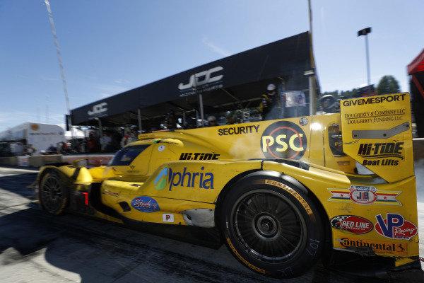 #85 JDC/Miller Motorsports ORECA 07, P: Simon Trummer, Robert Alon, Devlin DeFrancesco, pit stop