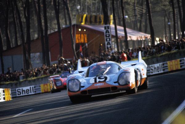 Richard Attwood / Herbert Mueller, J. W. Automotive Engineering, Porsche 917 K.