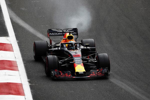 Daniel Ricciardo, Red Bull Racing RB14, suffers an engine failure