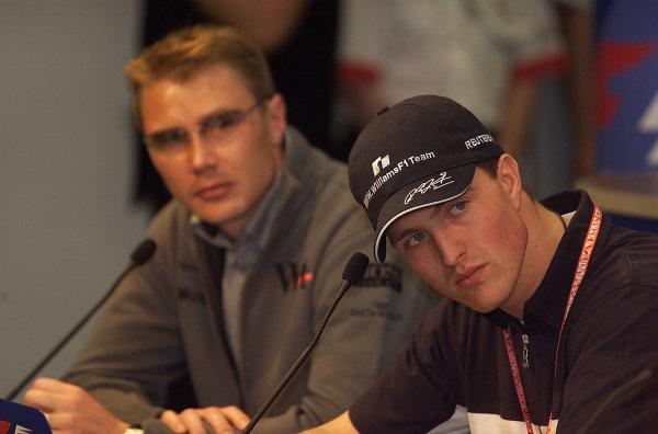 2001 Spanish Grand PrixCatalunya, Barcelona, Spain. 27-29 April 2001.Mika Hakkinen (McLaren Mercedes) and Ralf Schumacher (Williams BMW) at a press conference.World Copyright - Steve Etherington/LAT Photographicref: 18 mb Digital Image