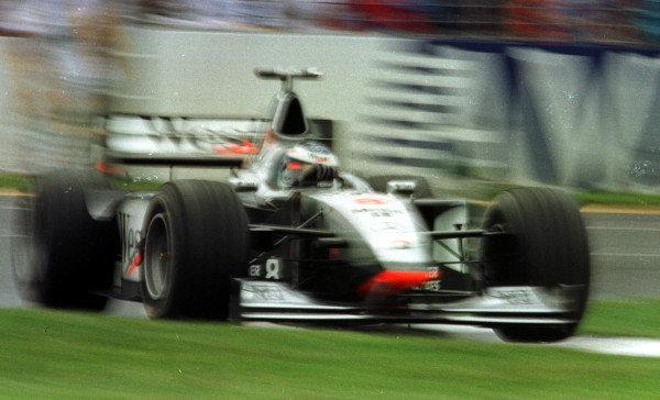 1998 Australian Grand Prix.Albert Park, Melbourne, Australia.6-8 March 1998.Mika Hakkinen (McLaren MP4/13 Mercedes-Benz) 1st position.World Copyright - LAT Photographic