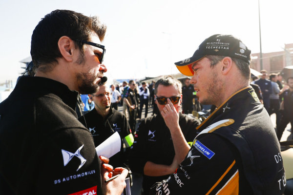 Andre Lotterer (DEU), DS TECHEETAH, talks with team mates