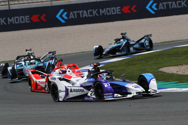 Jake Dennis (GBR), BMW I Andretti Motorsport, BMW iFE.21, leads Alex Lynn (GBR), Mahindra Racing, M7Electro, Oliver Turvey (GBR), NIO 333, NIO 333 001, Norman Nato (FRA), Venturi Racing, Silver Arrow 02, and Tom Blomqvist (GBR), NIO 333, NIO 333 001, at the start
