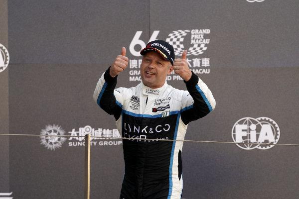 Podium: Race winner Andy Priaulx, Cyan Performance Lynk & Co 03 TCR.