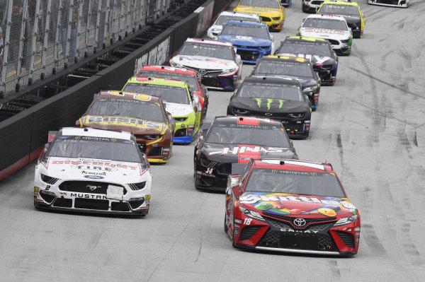#18: Kyle Busch, Joe Gibbs Racing, Toyota Camry Skittles, #2: Brad Keselowski, Team Penske, Ford Discount Tire