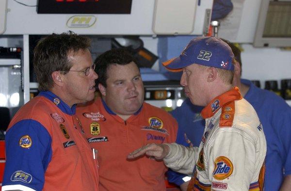 2002 NASCAR,Darlington Raceway,Aug 30-Sept 1 20022002 NASCAR, Darlington,SC. USA -Mike Beam with driver Ricky Craven,Copyright-Robt LeSieur2002LAT Photographic