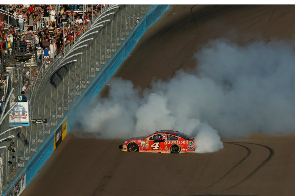7-9 November, 2014, Avondale, Arizona USA Winner Kevin Harvick Burnout ©2014, Michael L. Levitt LAT Photo USA